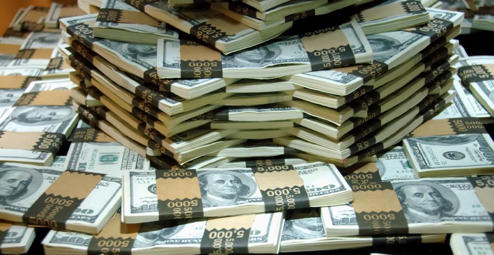 https://thomasgbennett.com/wp-content/uploads/2012/03/stacks-of-dollars2.jpg